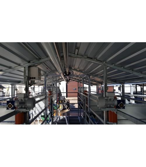 Mobili melžimo aikštelė MOOTECH6 su pusiau automatine plovykla ir automatiniu pašarų dalintuvu